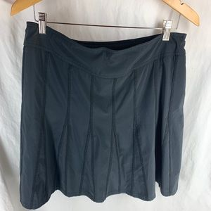 ATHLETA  size 12 skirt stay dry fabric